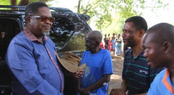Minister Msaka visits disaster victims in Machinga