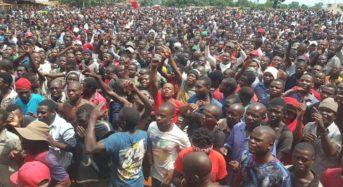 Anti-bribery protest draws thousands