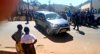 Angry mourners chase Ministers Jappie Mhango and Ben Phiri